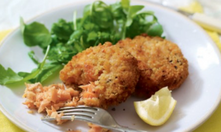 Smoked salmon and chive fish cakes